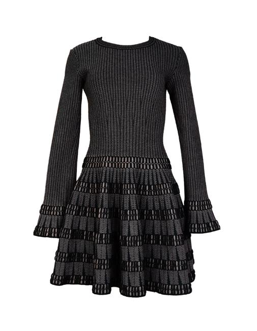 Preload https://img-static.tradesy.com/item/24743588/alaia-blackbeige-fit-and-flare-40-short-workoffice-dress-size-4-s-0-0-650-650.jpg