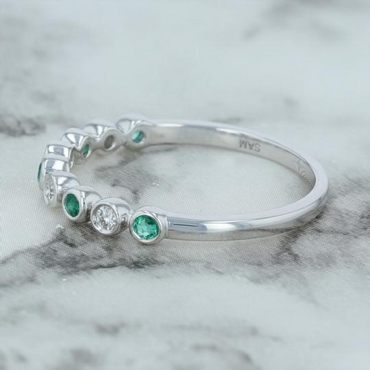 Other .19ctw Diamond & Emerald Ring - 14k Size 7 Bezel Stackable Image 1