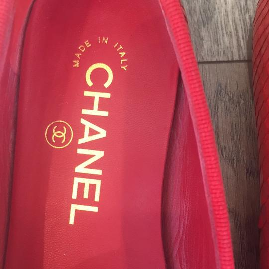 Chanel coral red Flats Image 2