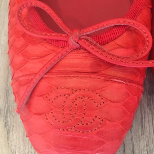 Chanel coral red Flats Image 6