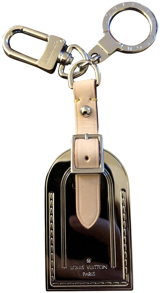 1a13bc585f54 Louis Vuitton New Rare Louis Vuitton Limited Luggage Tag Key Holder Cles  Image 0 ...