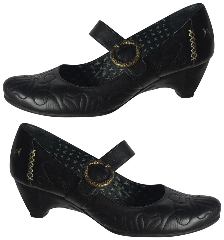 "d1204a9f912b9 PIKOLINOS Black Mid Heel Tooled Leather Gold Buckle Almond Toe Spain 2"" Heel  Pumps"