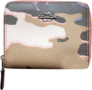 Coach COACH SMALL ZIP AROUND WALLET WITH WILD CAMO PRINT F32155