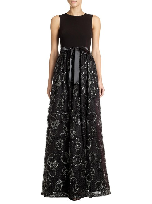 Item - Black Jersey Satin Sequins Body Lace Gown 16590292 Feminine Bridesmaid/Mob Dress Size 4 (S)