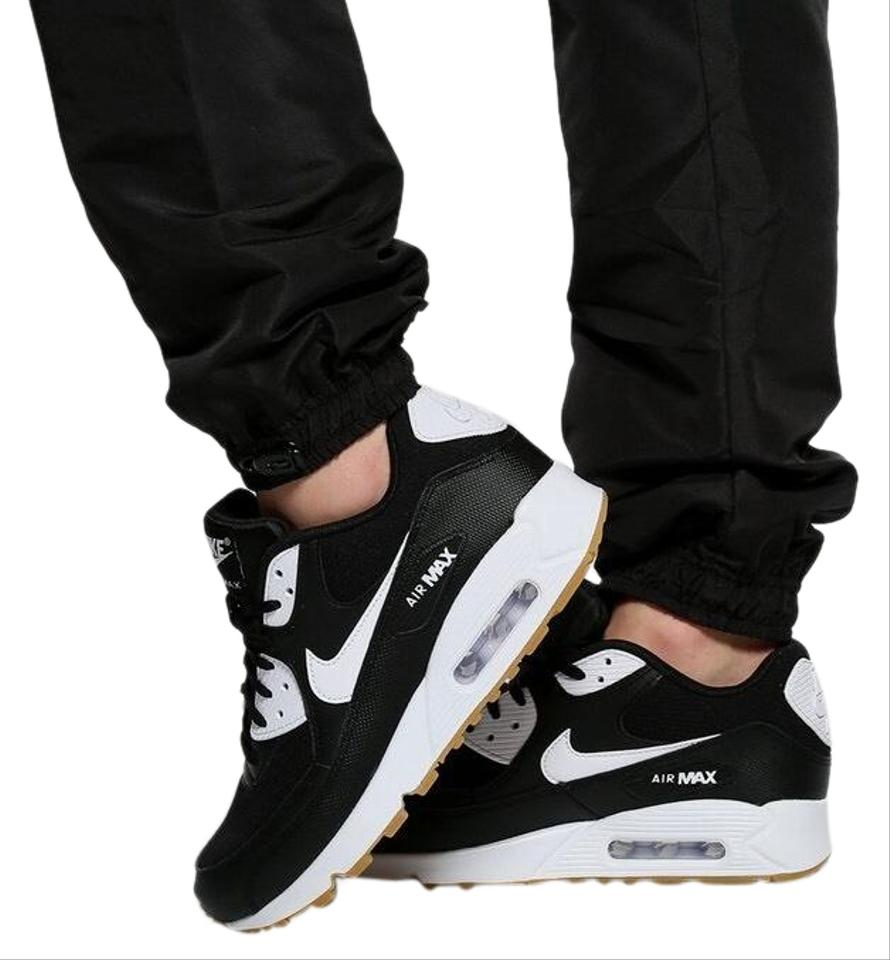 Nike Black Women's Air Max 90 Leather and Mesh Upper Fabric. StyleColor: 325213 055 Sneakers Size US 8.5 Narrow (Aa, N) 36% off retail