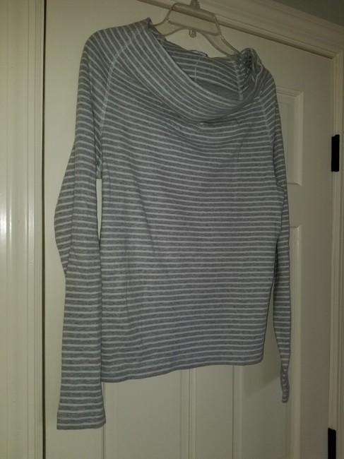 James Perse Gray and White Sweatshirt/Hoodie Size 4 (S) James Perse Gray and White Sweatshirt/Hoodie Size 4 (S) Image 5