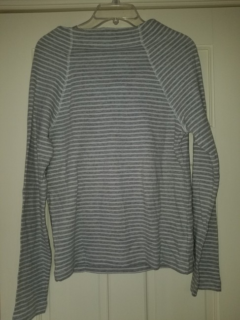 James Perse Gray and White Sweatshirt/Hoodie Size 4 (S) James Perse Gray and White Sweatshirt/Hoodie Size 4 (S) Image 7