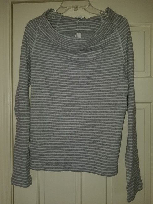James Perse Gray and White Sweatshirt/Hoodie Size 4 (S) James Perse Gray and White Sweatshirt/Hoodie Size 4 (S) Image 8