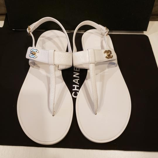 Chanel Cc Thong T Strap Turnlock Ankle Strap White Sandals Image 2