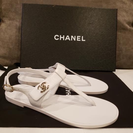 Chanel Cc Thong T Strap Turnlock Ankle Strap White Sandals Image 6
