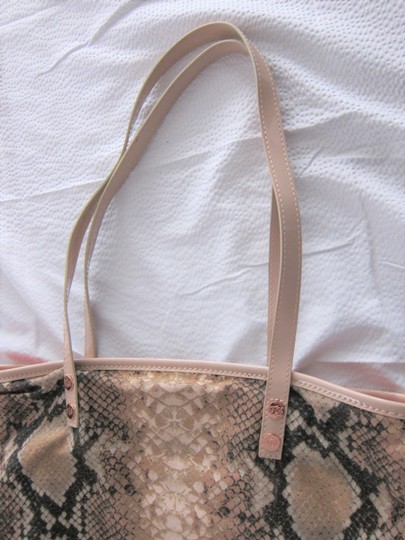 Ted Baker Gold Accents 95% Cotton Pink Snake Print Pink Patent Trim Tote in Black Image 2