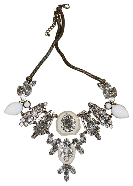 Item - White and Silver Fjj Necklace