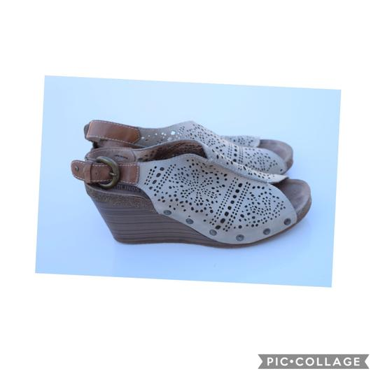 PIKOLINOS light sage Wedges Image 3