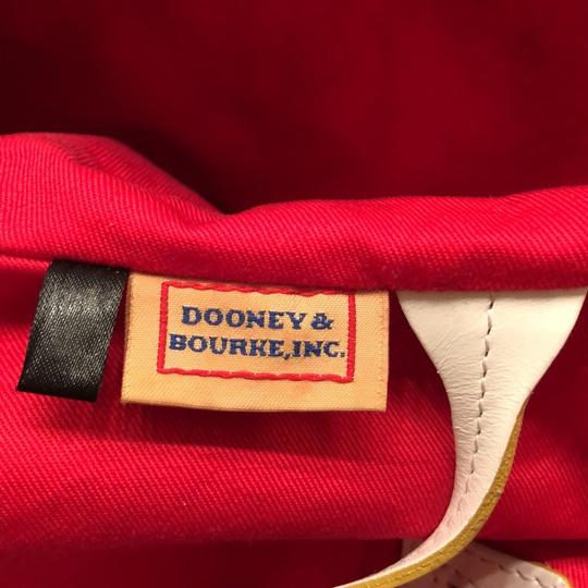 Dooney & Bourke Tote in yellow and white Image 4