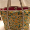 Dooney & Bourke Tote in yellow and white Image 9