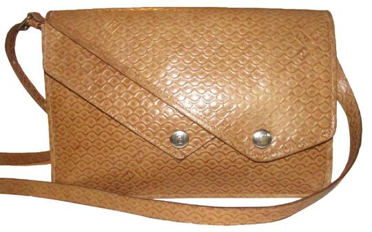 Preload https://img-static.tradesy.com/item/24752491/fendi-early-sas-two-way-bodyshoulder-clutch-purse-embossed-or-tooled-leather-in-shades-of-brown-with-0-1-540-540.jpg
