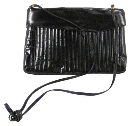 Preload https://img-static.tradesy.com/item/24752658/sharif-vintage-black-vinyl-clutch-0-1-540-540.jpg