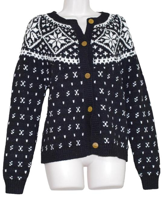 Preload https://img-static.tradesy.com/item/24752674/woolrich-black-white-wool-blend-snowflakes-women-cardigan-size-12-l-0-1-650-650.jpg