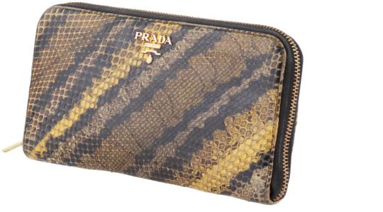Preload https://img-static.tradesy.com/item/24752676/prada-multicolor-natural-python-zip-around-wallet-0-1-540-540.jpg