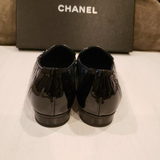Chanel Loafers Moccasin Chain Deerskin Navy Blue/Black Flats Image 4