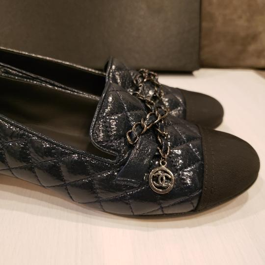 Chanel Loafers Moccasin Chain Deerskin Navy Blue/Black Flats Image 8