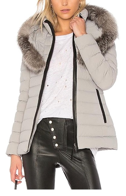 Item - Gray Coat Size 8 (M)