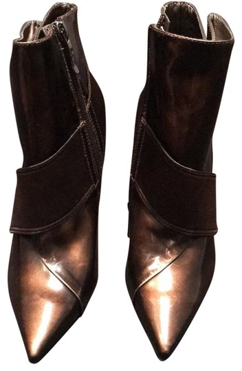 Preload https://img-static.tradesy.com/item/24753276/marciano-brown-patent-aggie-ankle-bootsbooties-size-us-5-regular-m-b-0-1-540-540.jpg