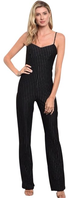 Preload https://img-static.tradesy.com/item/24755361/black-pinstriped-and-white-jumpsuit-pants-size-4-s-27-0-1-650-650.jpg