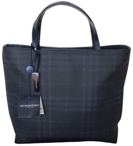 Burberry London Tote in Black - Navy Blue