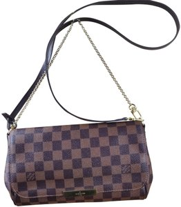 4fc69d2c065fd Louis Vuitton Favorite MM Crossbody Bags - Up to 70% off at Tradesy ...