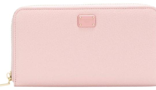 Preload https://img-static.tradesy.com/item/24756222/dolce-and-gabbana-rose-pink-zip-around-wallet-0-1-540-540.jpg