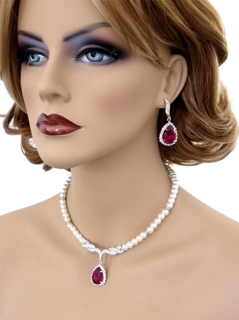 Item - Red Ivory Deep Crystal Earrings and Necklace Set