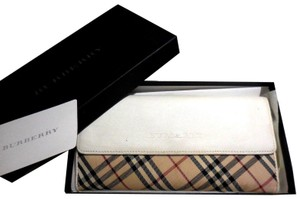 Burberry new Burberry Nova Check plaid and leather XL wallets