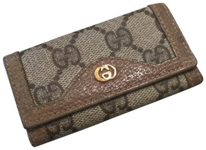 3bea54e0649 Added to Shopping Bag. Gucci Gucci key holder ...