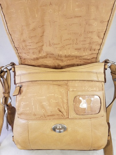 Fossil Maddox Reissued Purse And Clutch Matching Set Satchel in Light Gold/beige Image 9