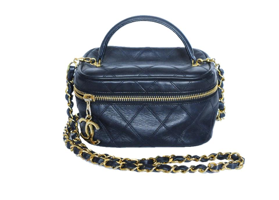 de77d012dc67f2 Chanel Chanel Vintage Navy Blue Quilted Leather Mini Train Case Cosmetic Bag  1986 Image 0 ...