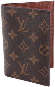 Louis Vuitton Louis Vuitton Monogram Passport Cover Holder