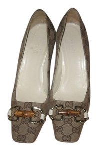 Gucci Gold Hardware Canvas Vintage Brown/Tan Pumps