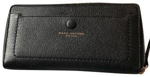 Marc Jacobs Large Continental Zip Around Black Leather Womens Wallet