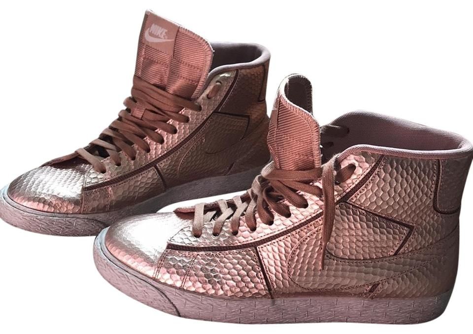outlet store 03d25 00677 Nike Rose Gold Athletic Image 0 ...
