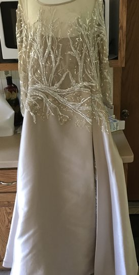 Rickie Freeman for Teri Jon Champagne Satiny Outer Fabric Sheer Sleeves and Bodice Area Sparkly Underskirt Gown Perfect Or Mog Formal Bridesmaid/Mob Dress Size 16 (XL, Plus 0x)