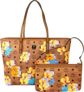 ddebe927304 MCM Bag W Medium Essential Floral W/Pouch Mwp8sse83co001 Brown Canvas Tote  38% off retail