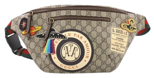Preload https://img-static.tradesy.com/item/24767995/gucci-courrier-zip-belt-gg-with-applique-brown-coated-canvas-weekendtravel-bag-0-1-540-540.jpg