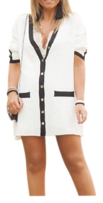 Item - White/Black Cardigan with Vents V-neck Long Short Casual Dress Size 6 (S)