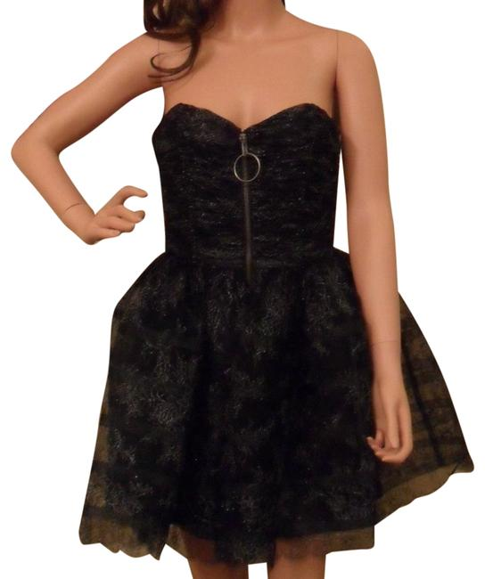 Preload https://img-static.tradesy.com/item/24768257/betsey-johnson-black-tulle-strapless-new-mid-length-cocktail-dress-size-4-s-0-1-650-650.jpg