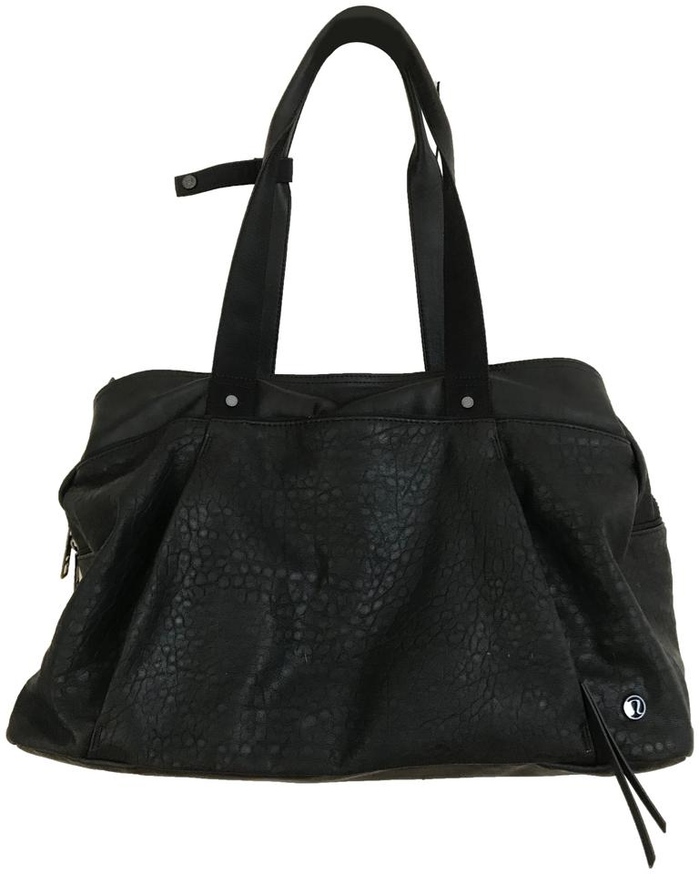 Lululemon Duffle Om The Day Pebbled Workout Black Faux