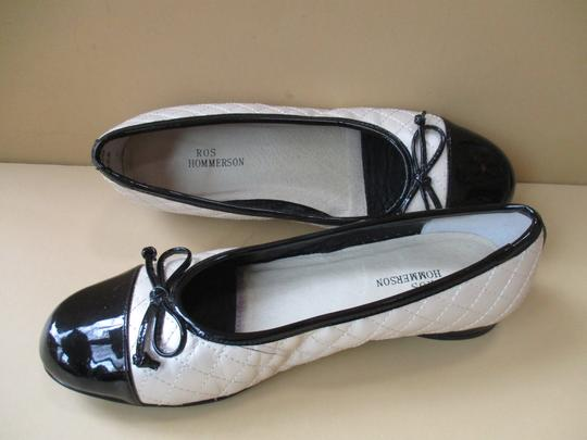 Ros Hommerson Black Patent Quilted Rubber Sole Bow Cream Flats Image 5