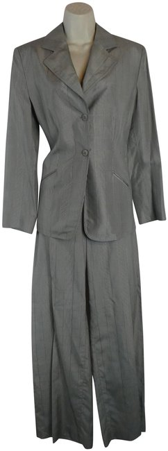 Preload https://img-static.tradesy.com/item/24768757/armani-collezioni-gray-jacket-pant-suit-size-8-m-0-1-650-650.jpg