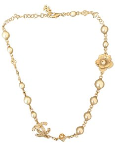 Chanel gold necklace with pearls and flowers