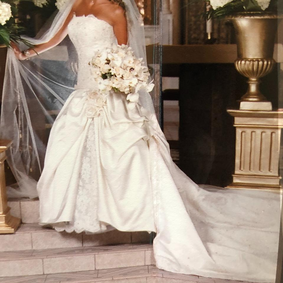 dbbae964911 Eve of Milady Ivory Silk and Lace Designer Traditional Wedding Dress Size 4  (S) ...